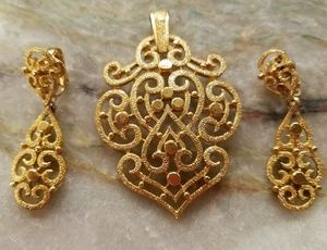 Vintage Trifari Pendant and Earrings